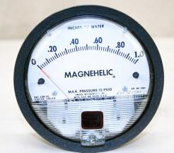 Dwyer Magnehelic 2001 Differential Pressure Gauge - Photo 1