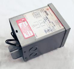 Used Cutler-Hammer S20N11S51N .50 KVA Transformer - Photo 1