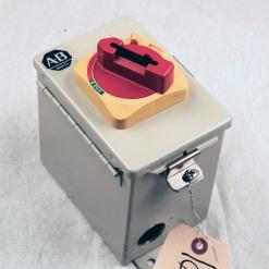 Used Allen-Bradley 194E-FA16E-P11 16 Amp Enclosed Motor Disconnect Switch - Photo 1