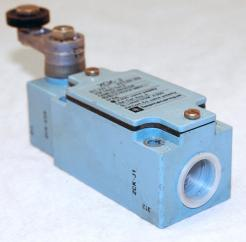 Used Telemacanique XCK-J A300 Limit Switch - Photo 1