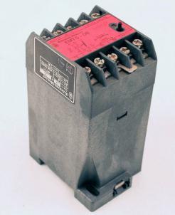 Used Klockner-Moeller EMT 5-DB Thermistor Overload Relay - Photo 1