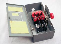 Used Eaton Cutler-Hammer DH361FGK 30AMP Heavy-Duty Safety Switch - Photo 1