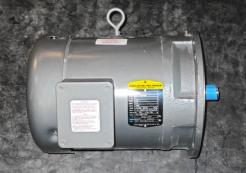 Baldor / Reliance 5 HP AC Motor 575 V - Photo 1