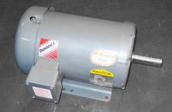 Baldor M3613T-5 5 HP AC Motor 575 V - Photo 1