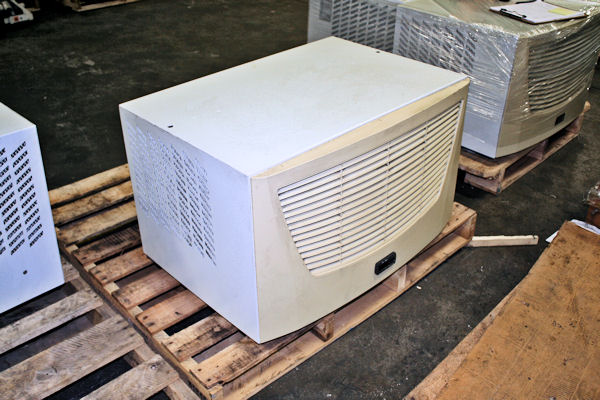Used Rittal Top Therm Sk 3387140 Enclosure Air Conditioner