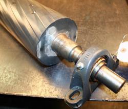 Used Custom 58.5 x 5.125 Aluminum Chevron Grooved Spreader Roll - Photo 3